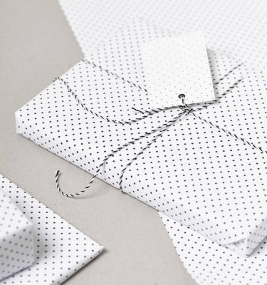 original_black-polka-dot-gift-wrap-set